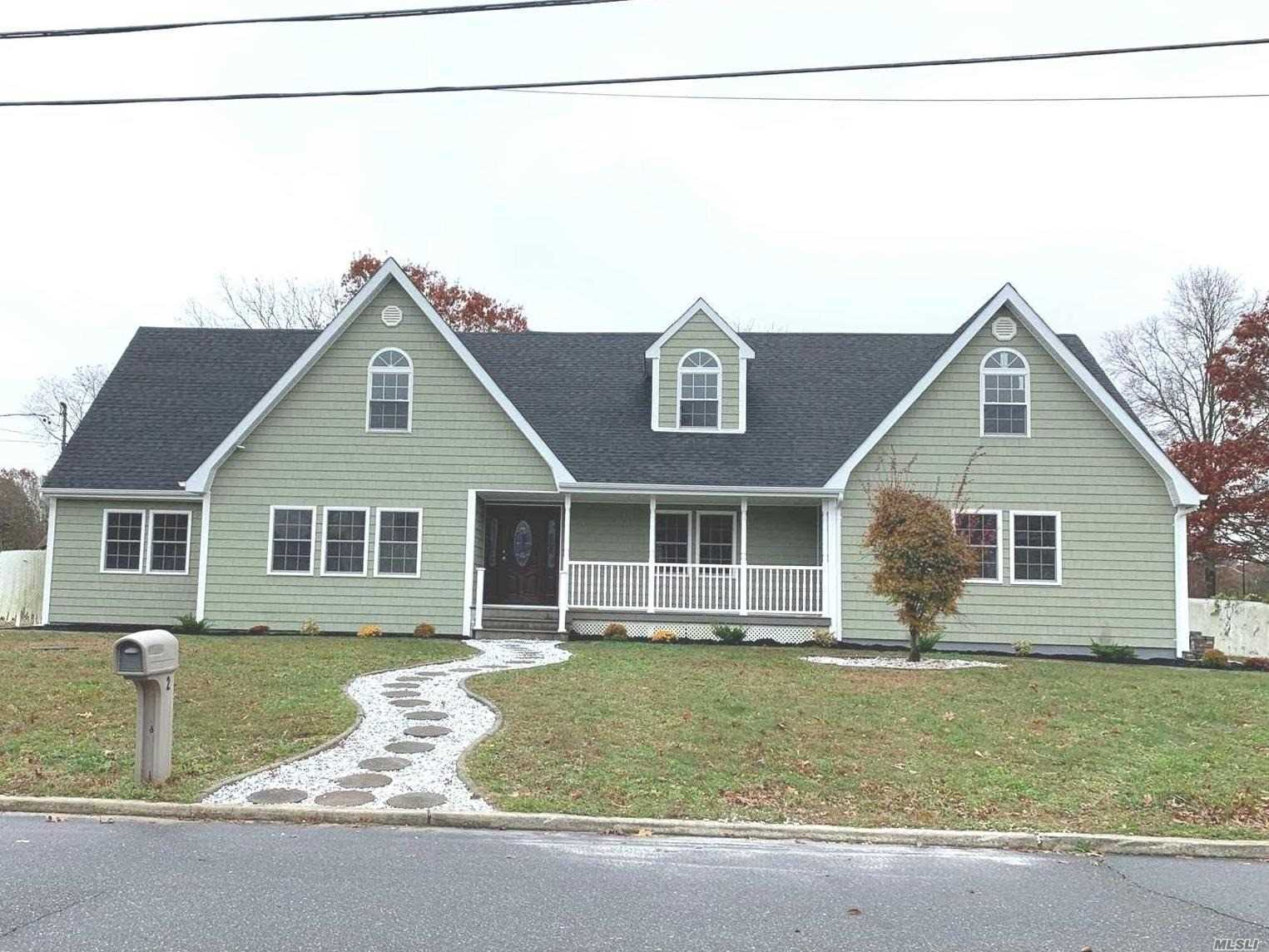 Residential For Sale in 2 Tipton Dr, Shirley, NY ,11967