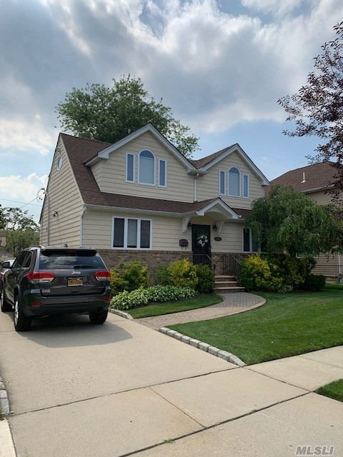 Residential For Sale in , Williston Park, NY ,11596