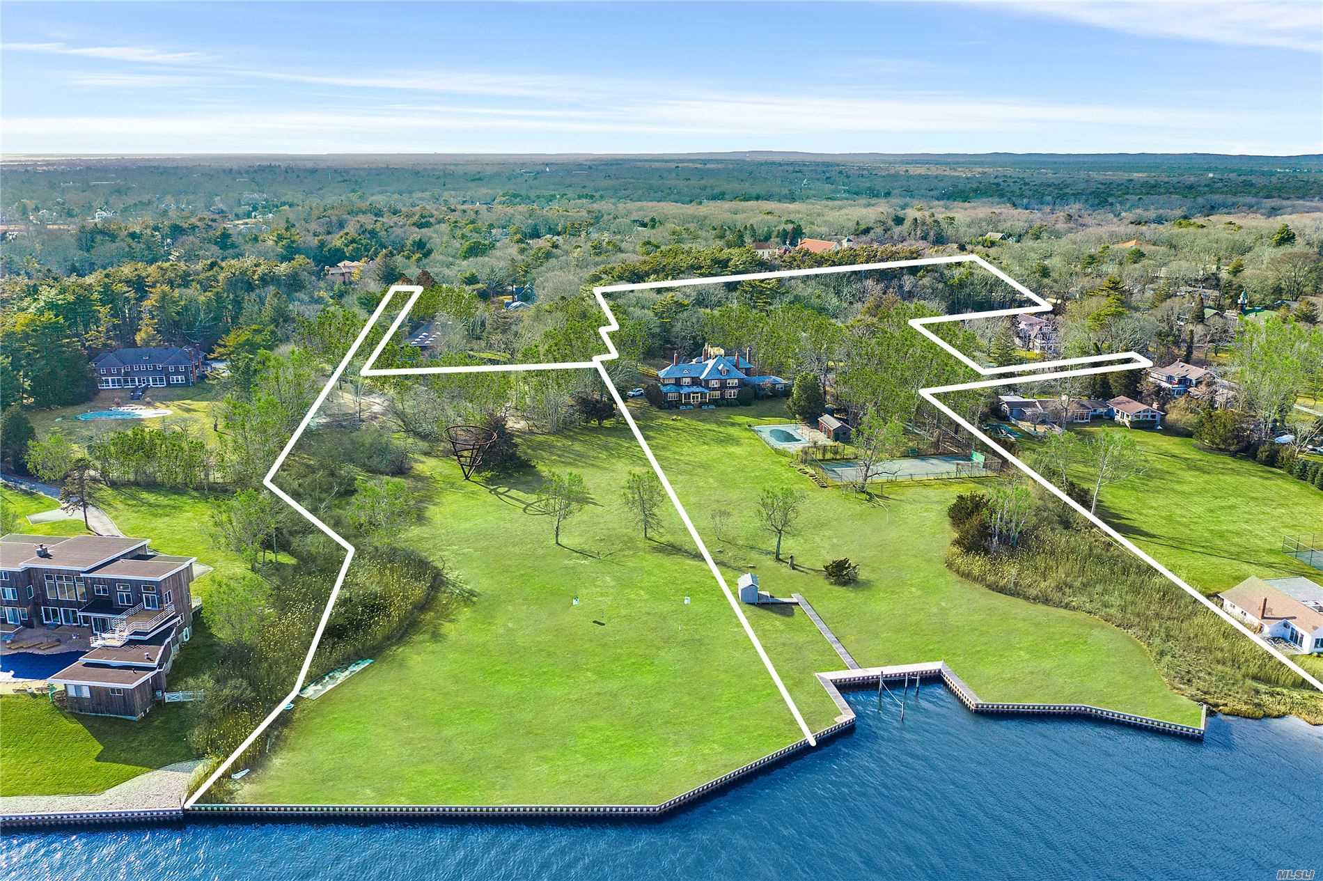 Residential For Sale in 607 Main Street, Westhampton Bch, NY ,11978