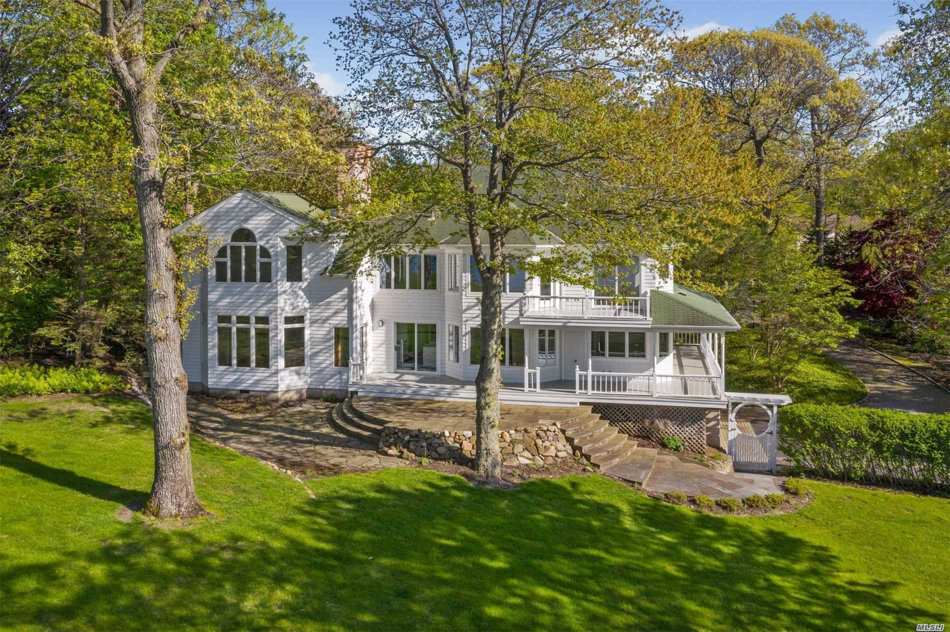 Residential For Sale in 35 Soundview Dr, Shoreham, NY ,11786