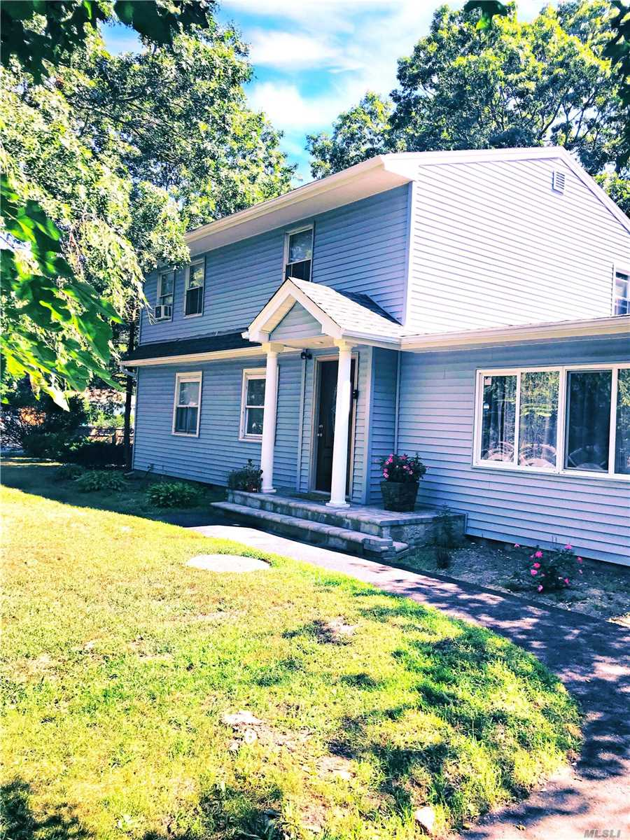 Residential For Sale in 1 Lexington Rd, Shirley, NY ,11967