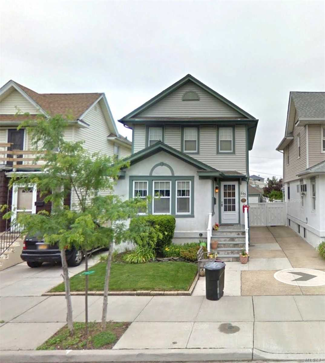 Residential For Sale in 635 Chester Street W, Long Beach, NY ,11561