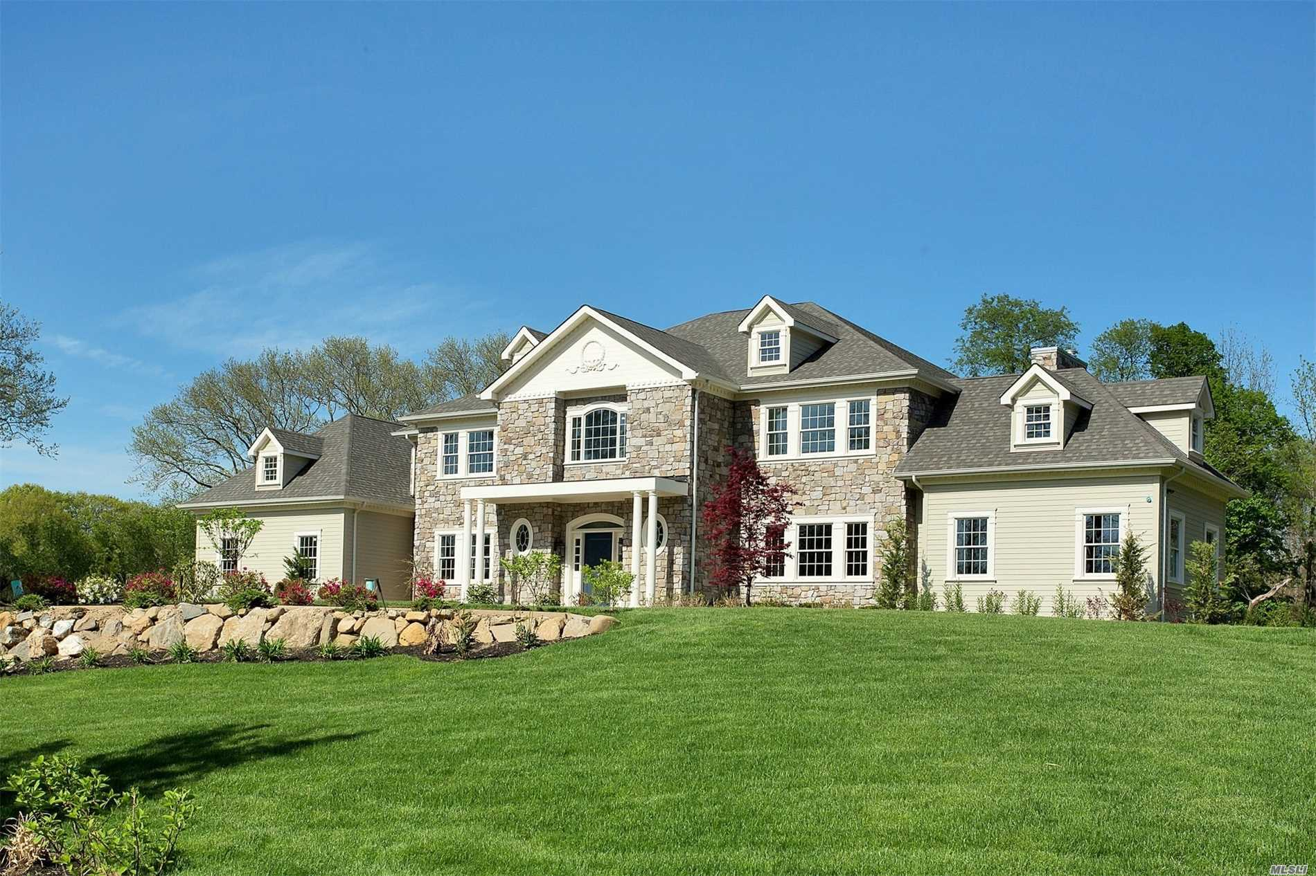 Residential For Sale in 3 Penny Pond Ct, Old Brookville, NY ,11545