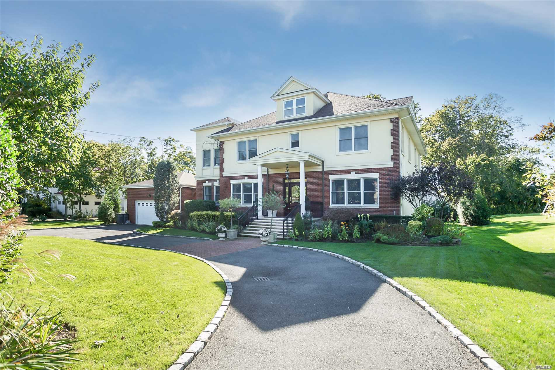 Residential For Sale in 75 Woodmere Blvd, Woodmere, NY ,11598