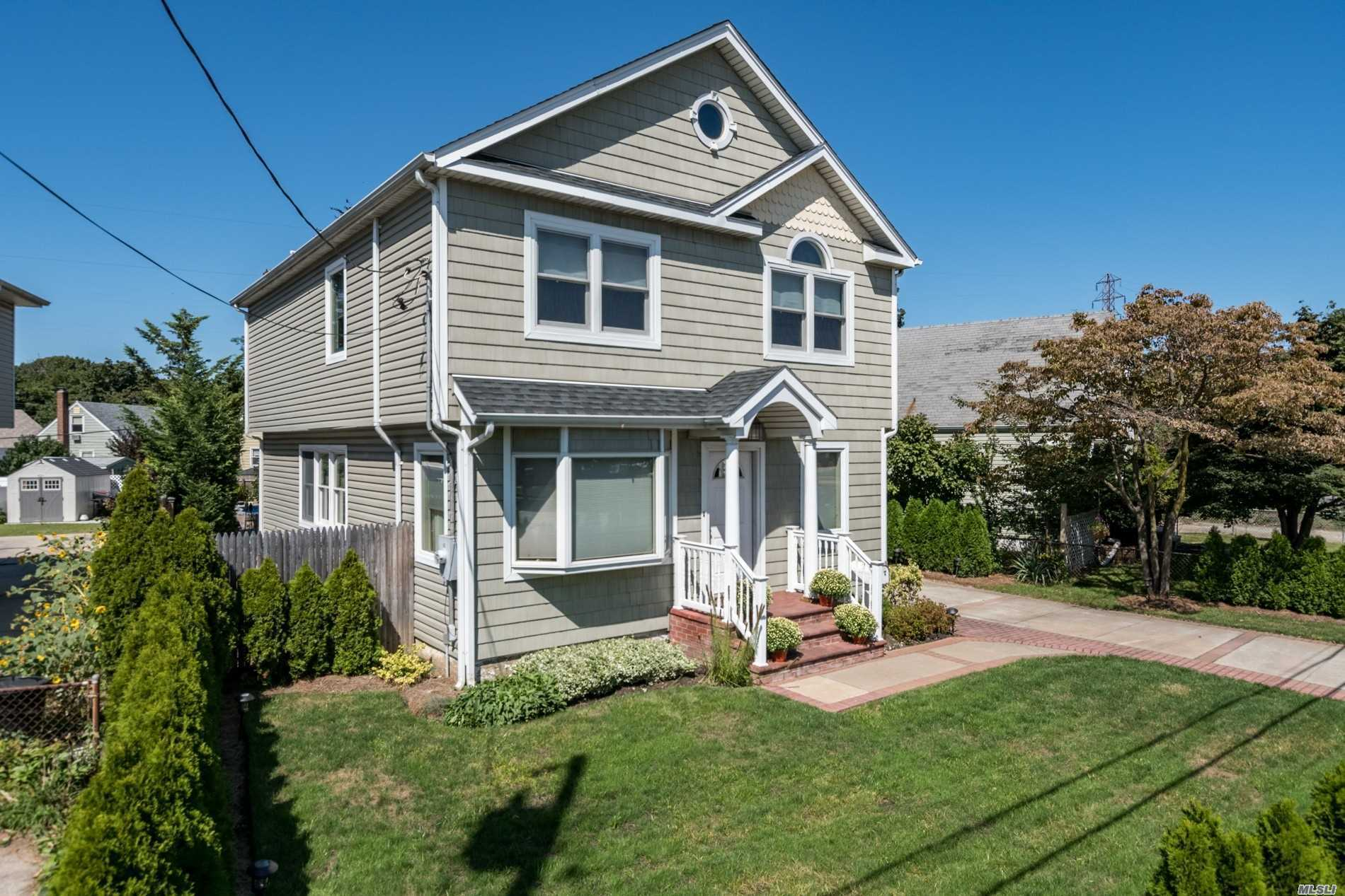 Residential For Sale in 293 Sheridan Blvd, Inwood, NY ,11096