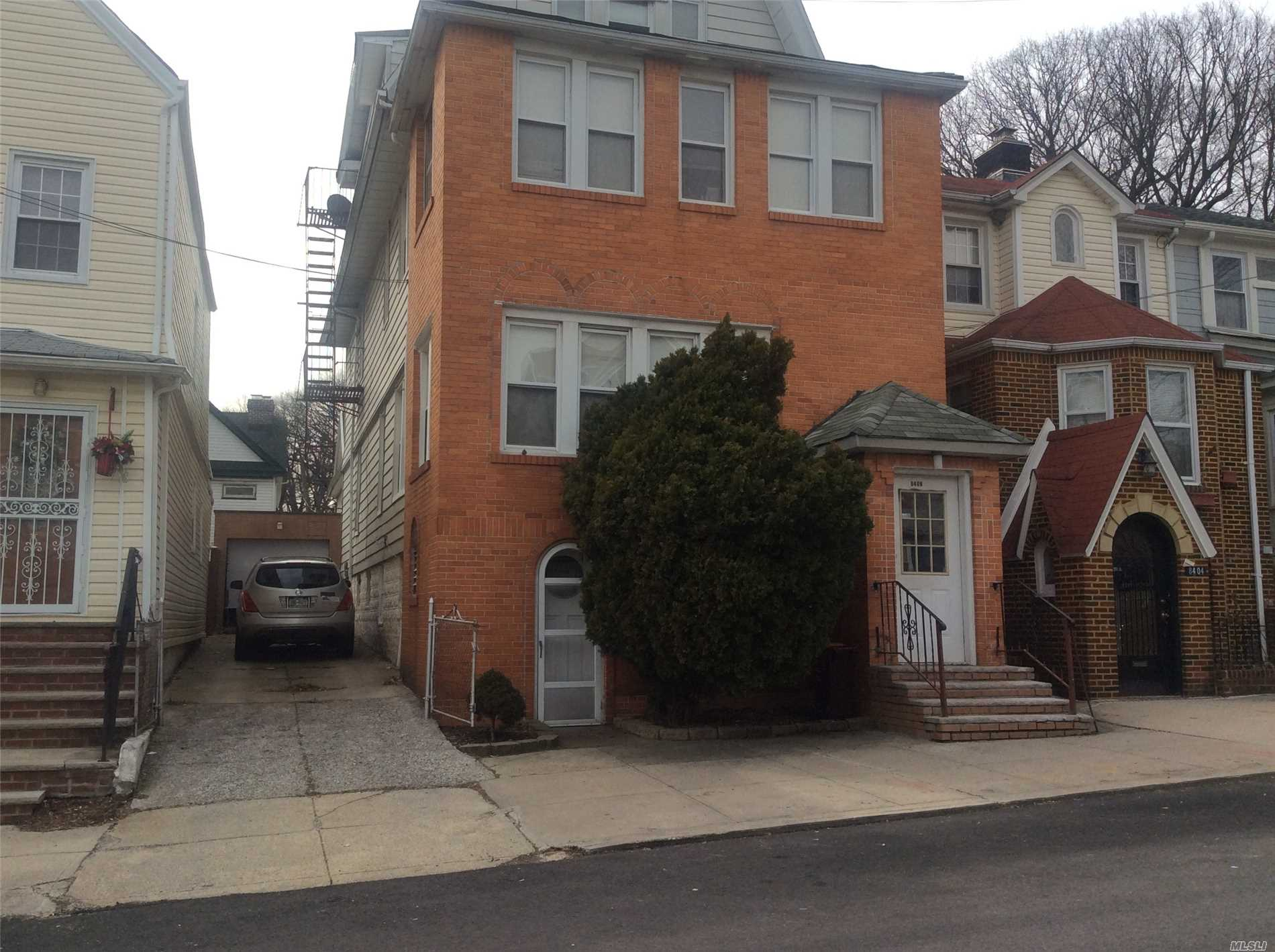 Residential For Sale in 84-08 107 St, Richmond Hill N., NY ,11418