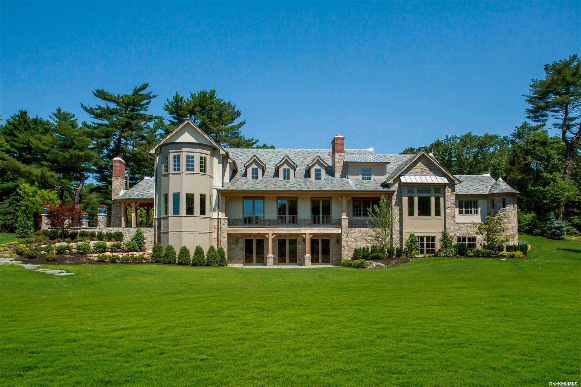 Residential For Sale in 510 Cedar Swamp Rd, Brookville, NY ,11545