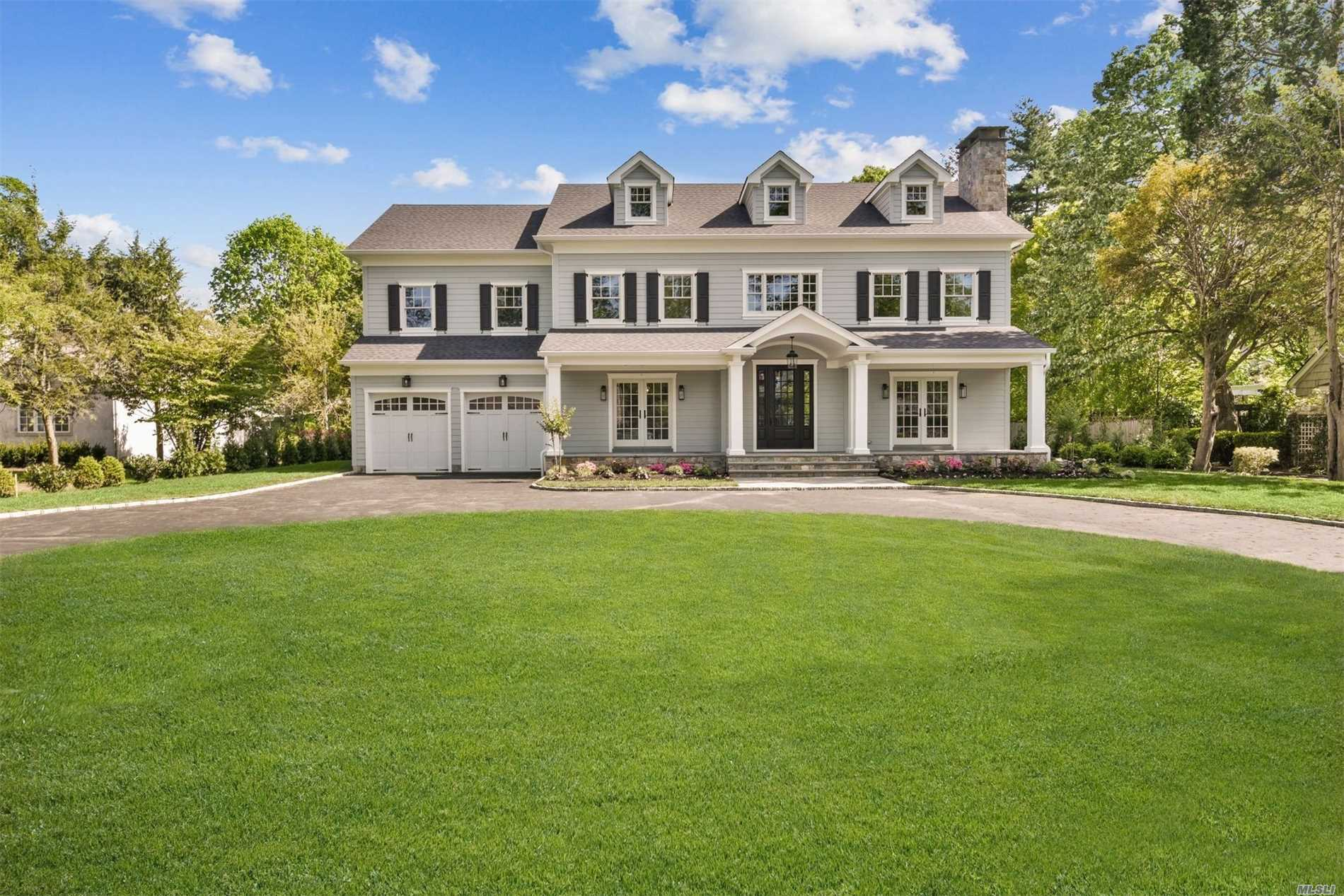 Residential For Sale in 70 First St, Garden City, NY ,11530