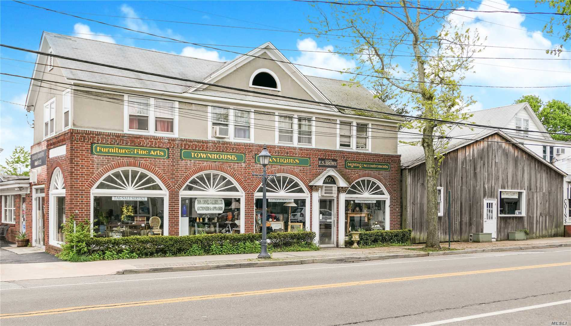 Commercial for sale in 152 Country S Rd, Bellport Village, NY ,11713
