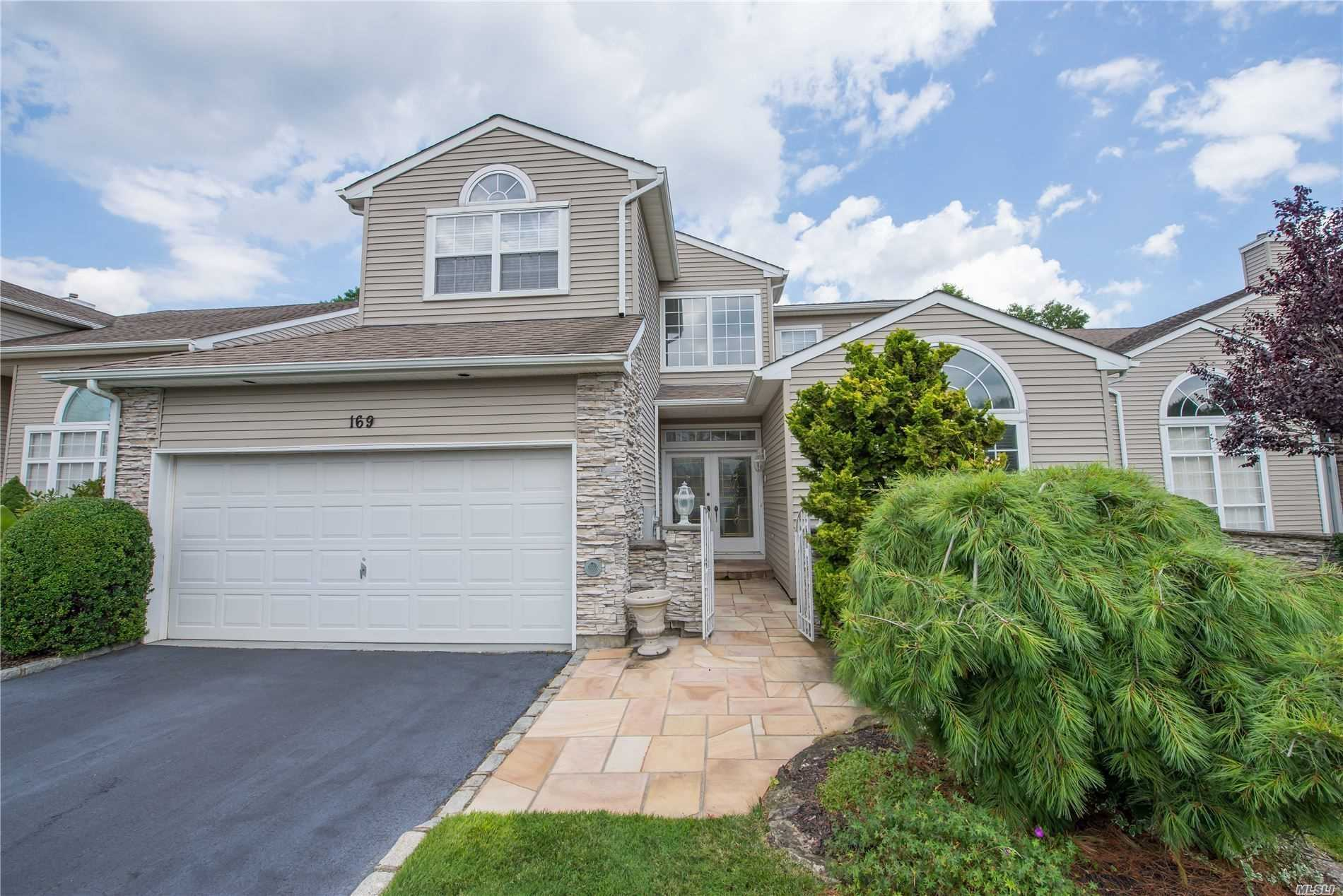 Condominium for sale in 169 Windwatch Dr, Hauppauge, NY ,11788