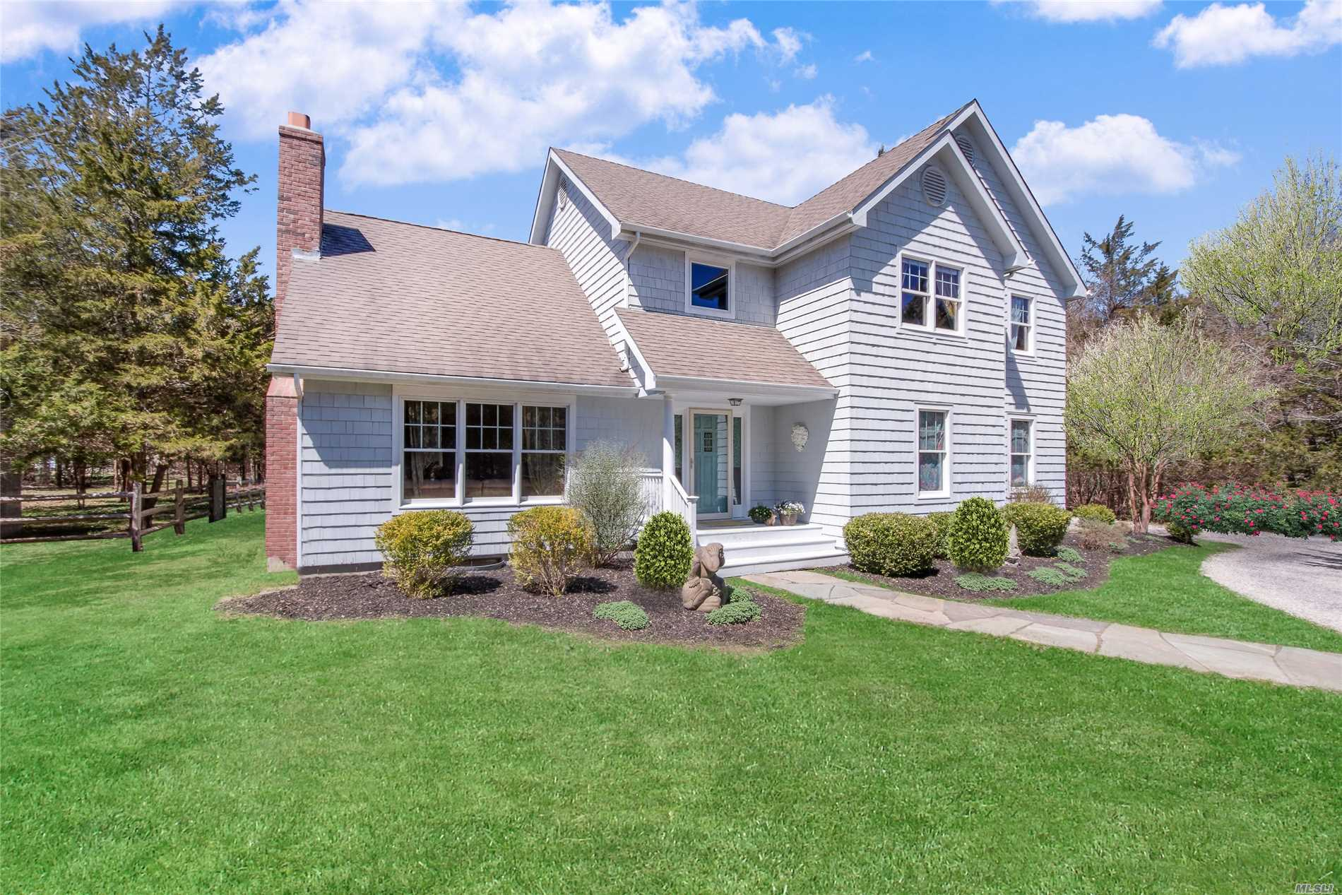 Residential For Sale in 755 Springs Fireplac, East Hampton, NY ,11937