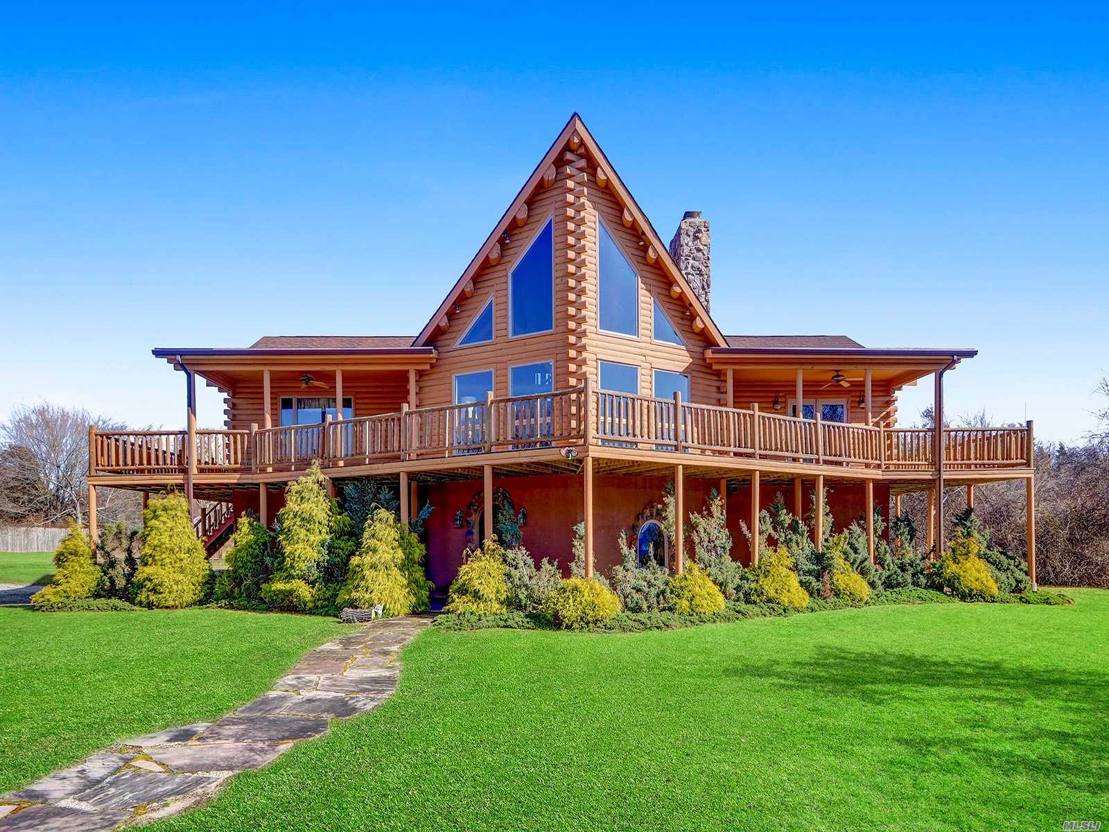 Residential For Sale in 573 Sound Shore Road, Riverhead, NY ,11901