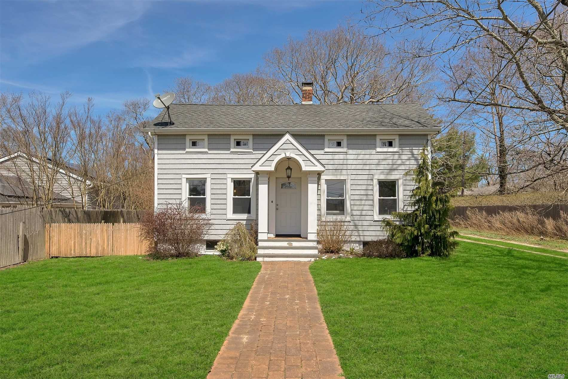 Residential For Sale in 27 Shinnecock Rd, Hampton Bays, NY ,11946