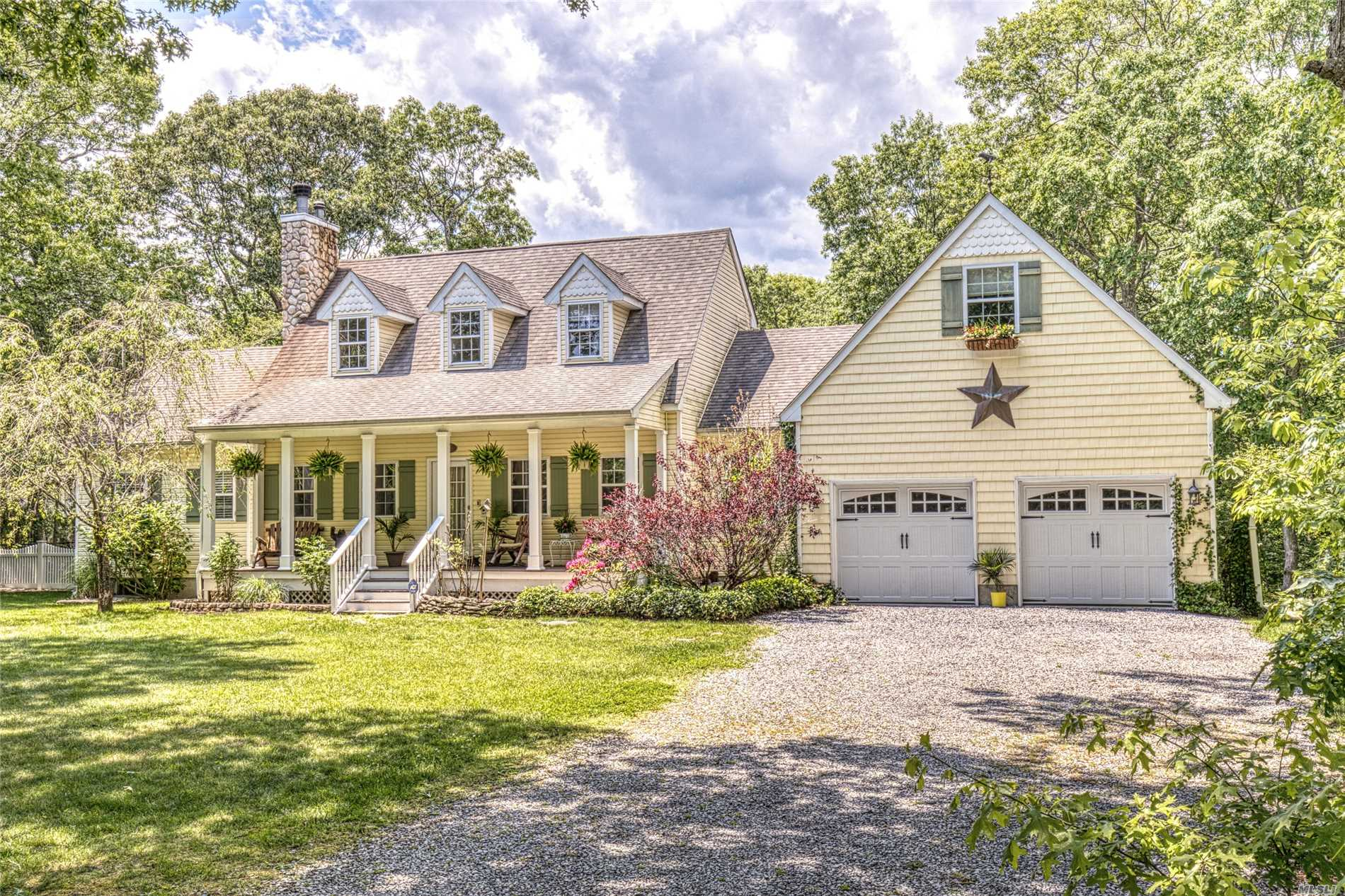 Residential For Sale in 9 Hampton Dr, Center Moriches, NY ,11934