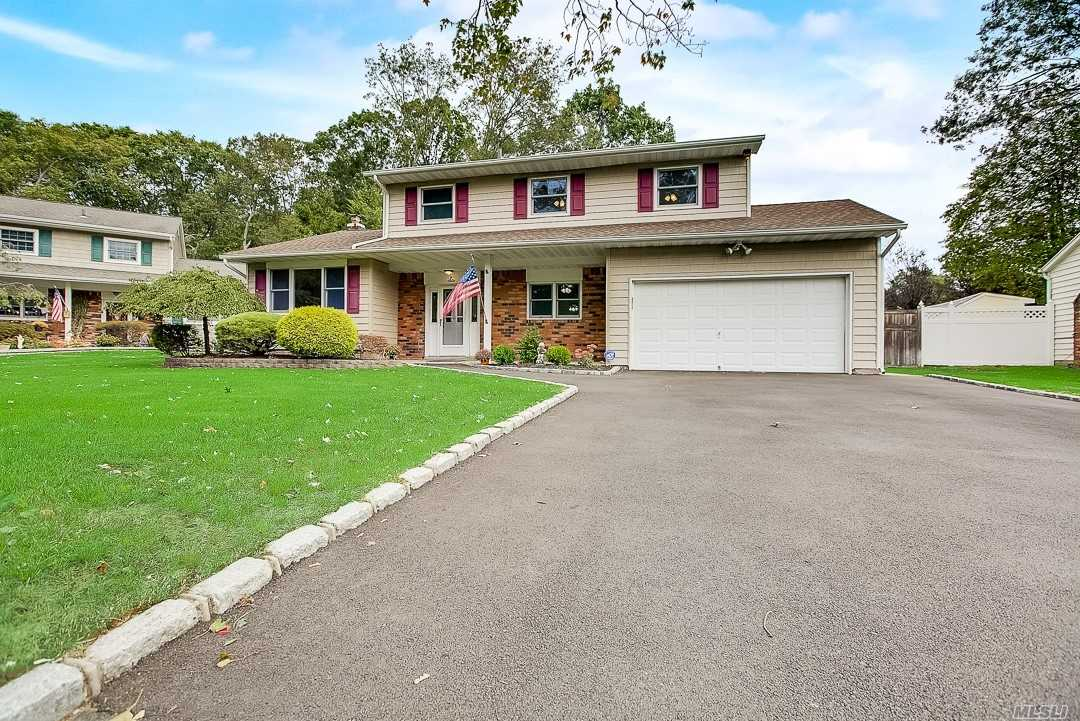 Residential For Sale in 6 Shirley Ct, E. Northport, NY ,11731