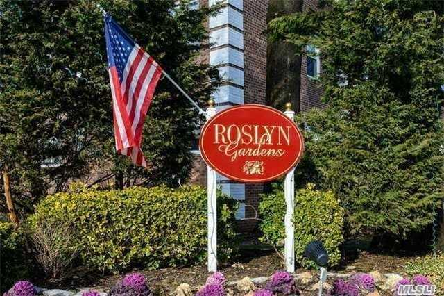 Condominium for sale in 45 Edwards St, Roslyn Heights, NY ,11577