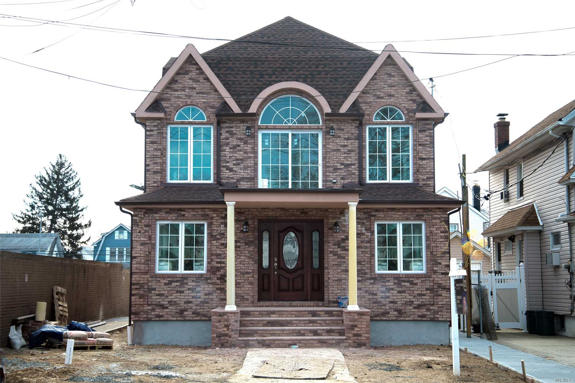 Residential For Sale in 221-60 92nd Ave, Queens Village, NY ,11428