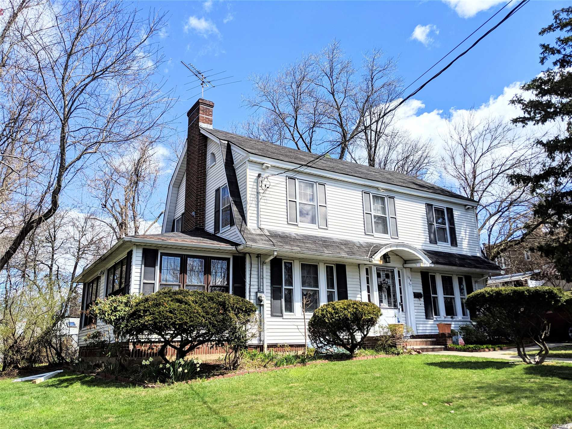 Residential For Sale in 154-57 9th Ave, Beechhurst, NY ,11357
