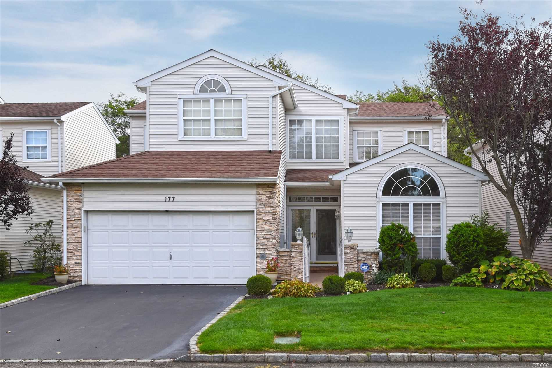 Condominium for sale in 177 Windwatch Dr, Hauppauge, NY ,11788