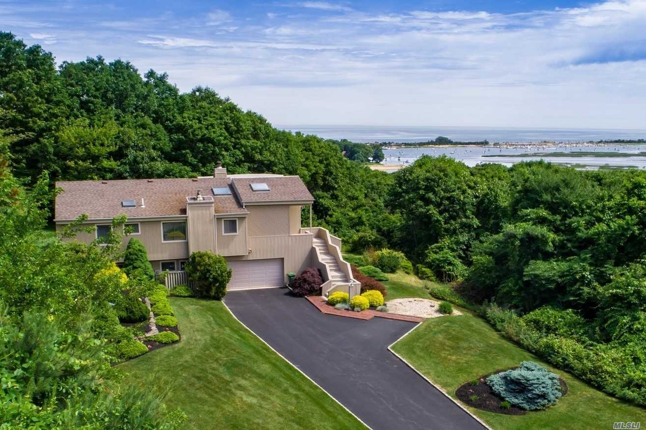 Residential For Sale in 123 Nadia Ct, Port Jefferson, NY ,11777