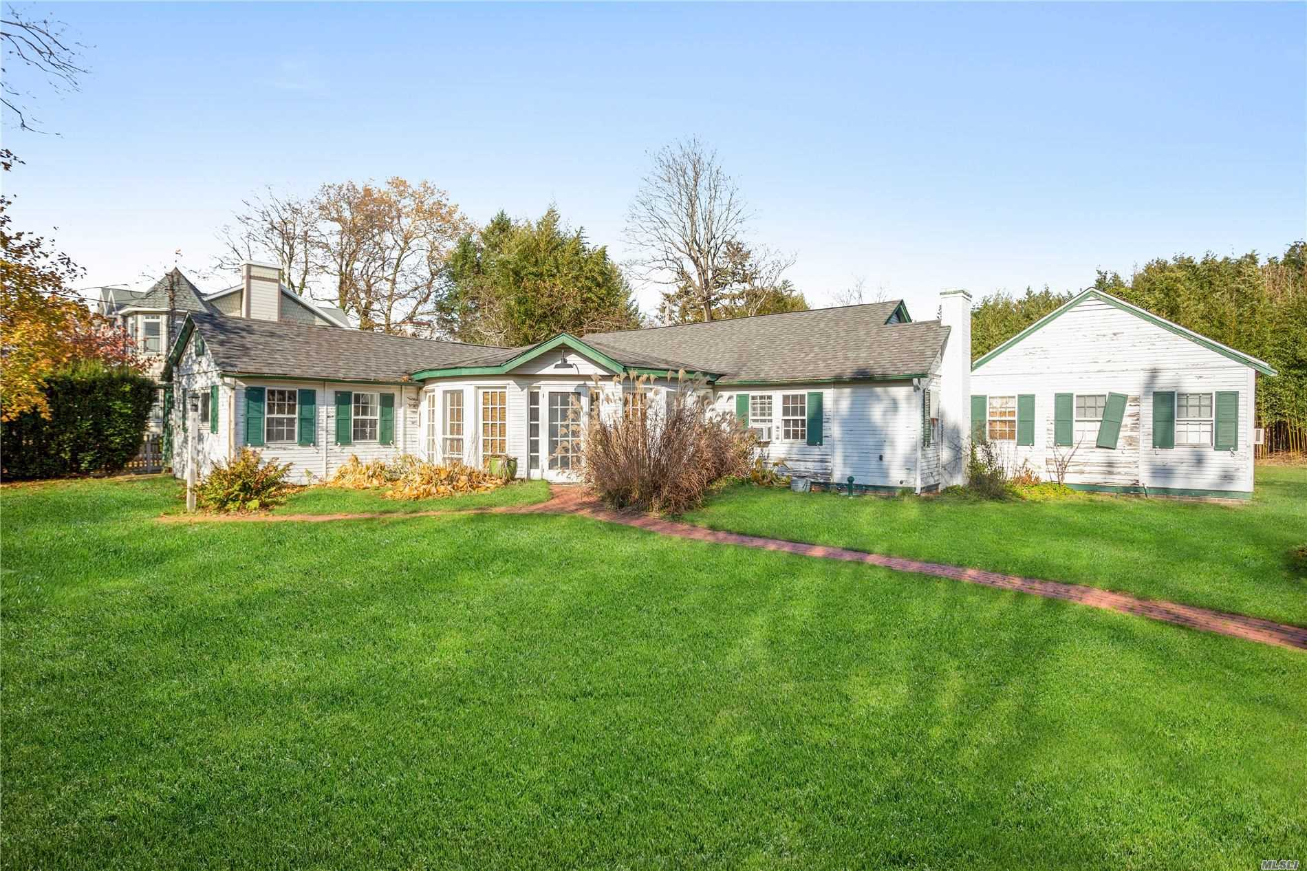 Residential For Sale in 13 Academy Ln, Bellport Village, NY ,11713