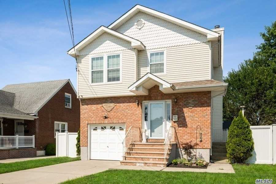 Residential For Sale in 169 Mayfair Ave, W. Hempstead, NY ,11552