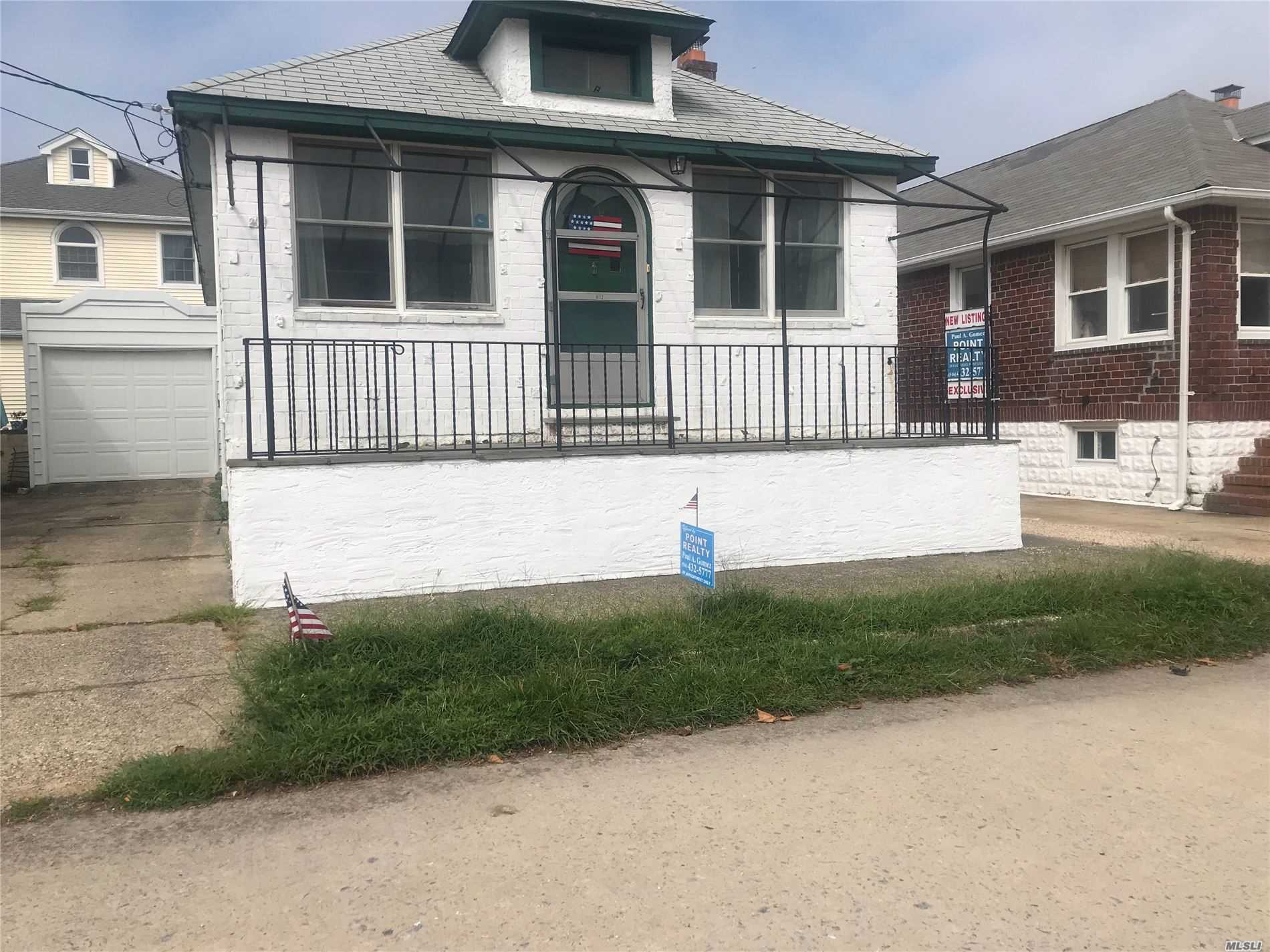 Residential For Sale in 131 Freeport Avenue, Point Lookout, NY ,11569