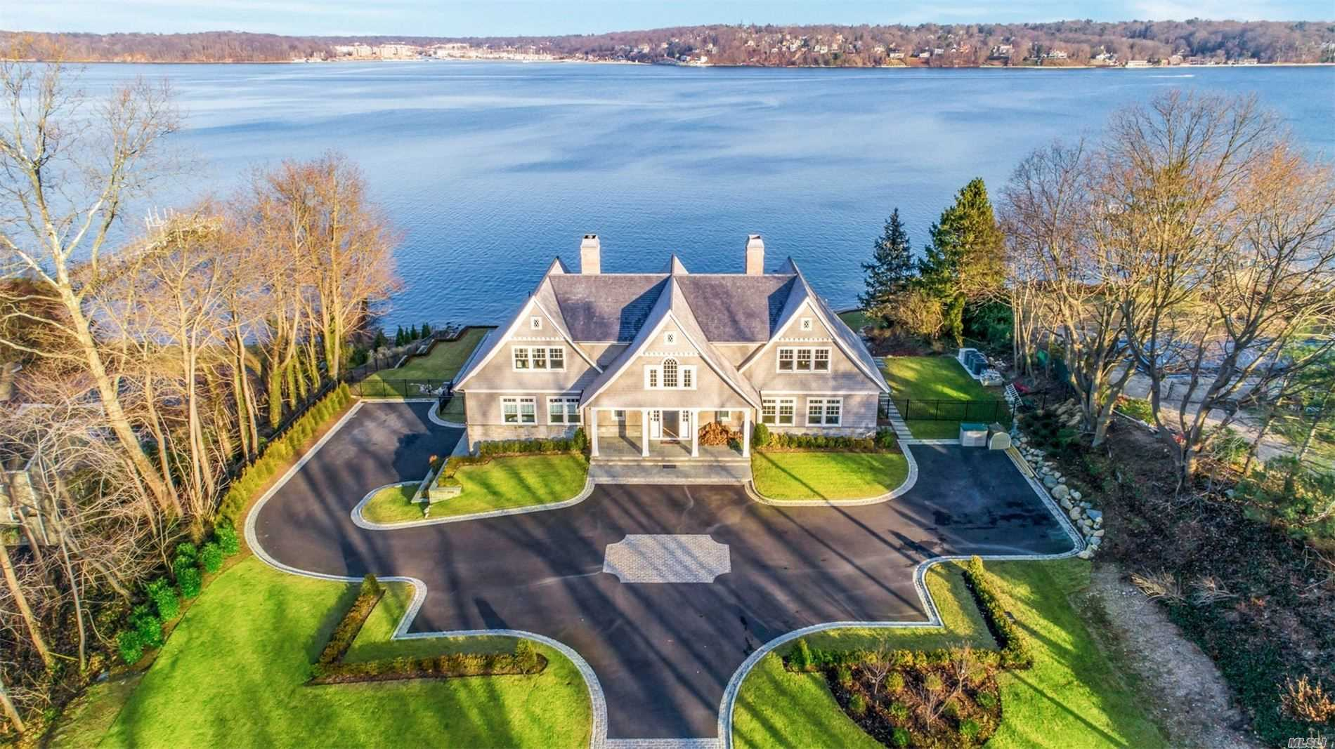 Residential For Sale in 7 Todd Dr, Sands Point, NY ,11050