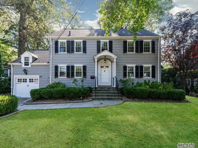Residential For Sale in 250 Nassau Ave, Manhasset, NY ,11030