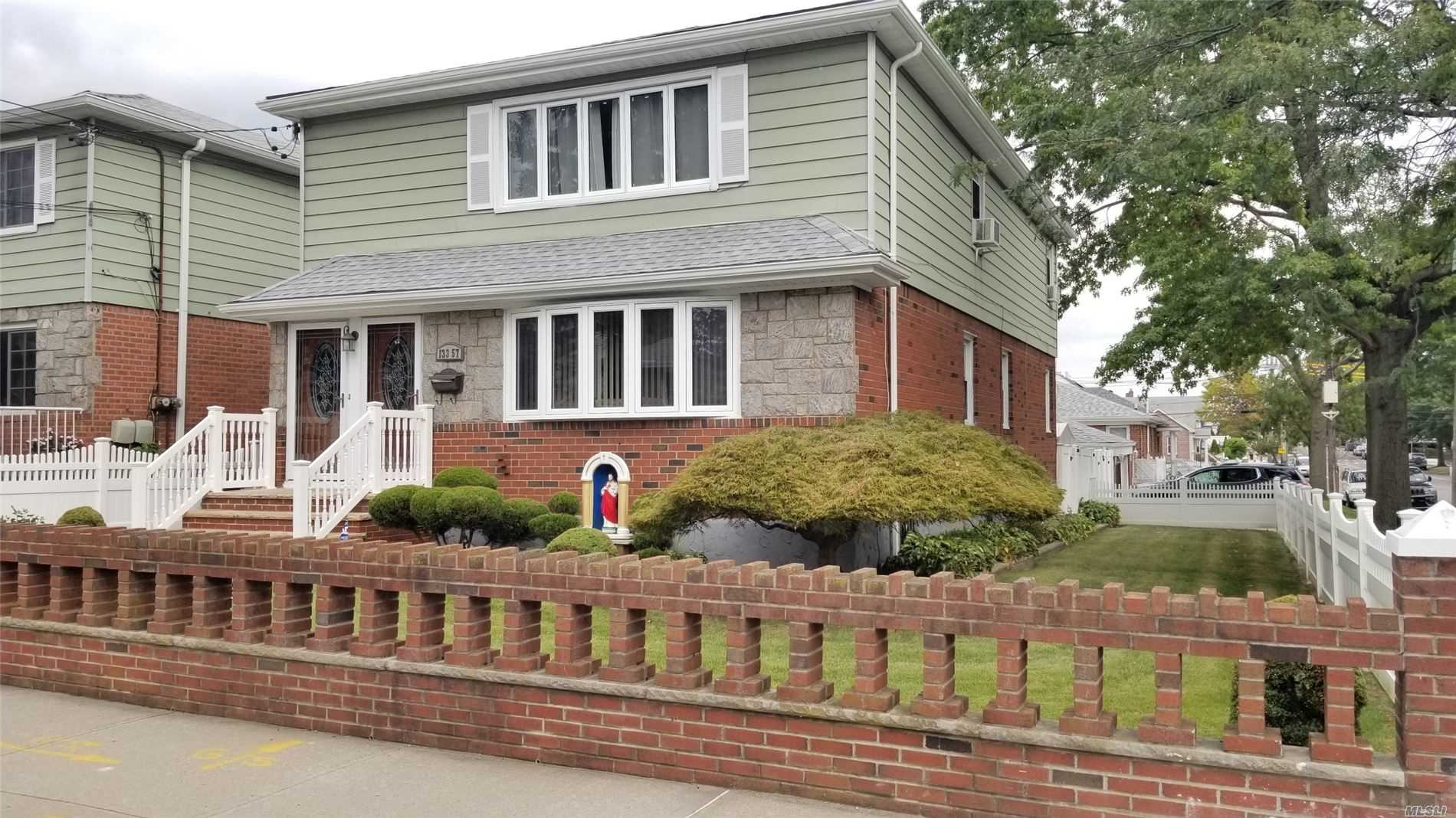 Residential For Sale in 133-57 123 St, Wakefield, NY ,11420