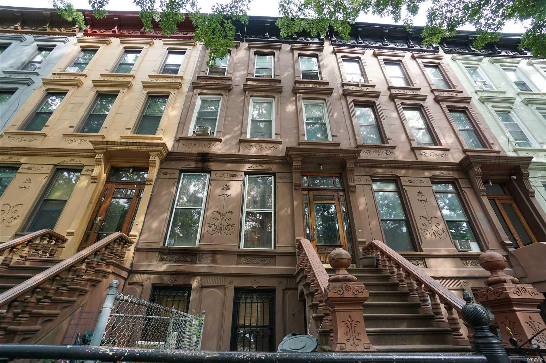 Residential For Sale in 209 Jefferson Ave, Brooklyn, NY ,11216