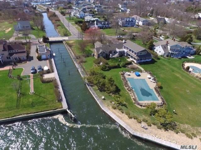 Residential For Sale in 125 Awixa Ave, Bay Shore, NY ,11706