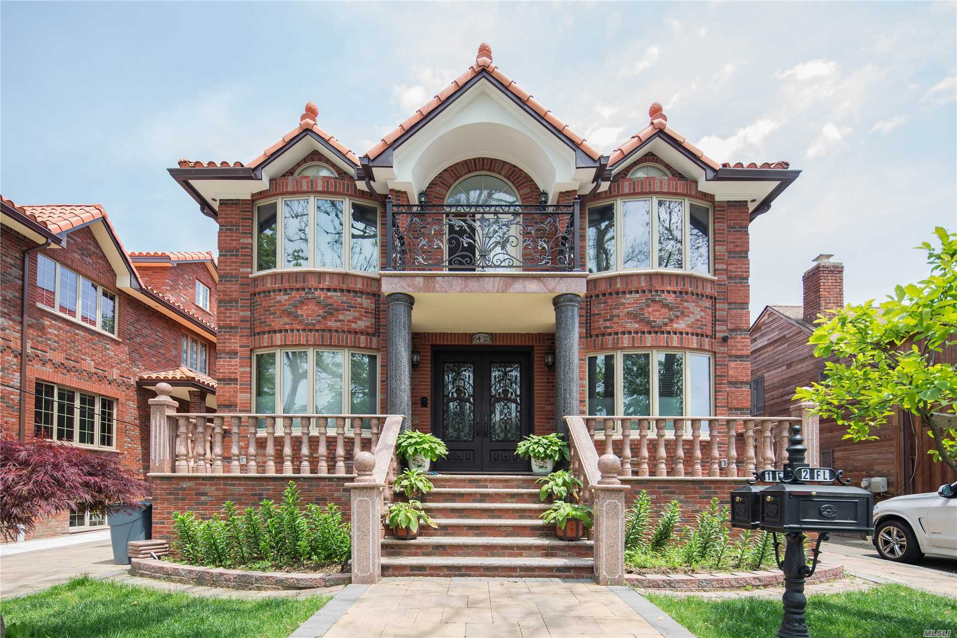 Residential For Sale in 64-23 Cloverdale Blvd, Bayside, NY ,11364