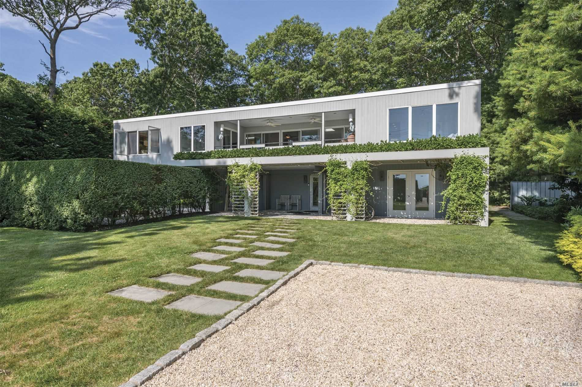 Residential For Sale in 1039 Springs Fireplac Rd, East Hampton, NY ,11937