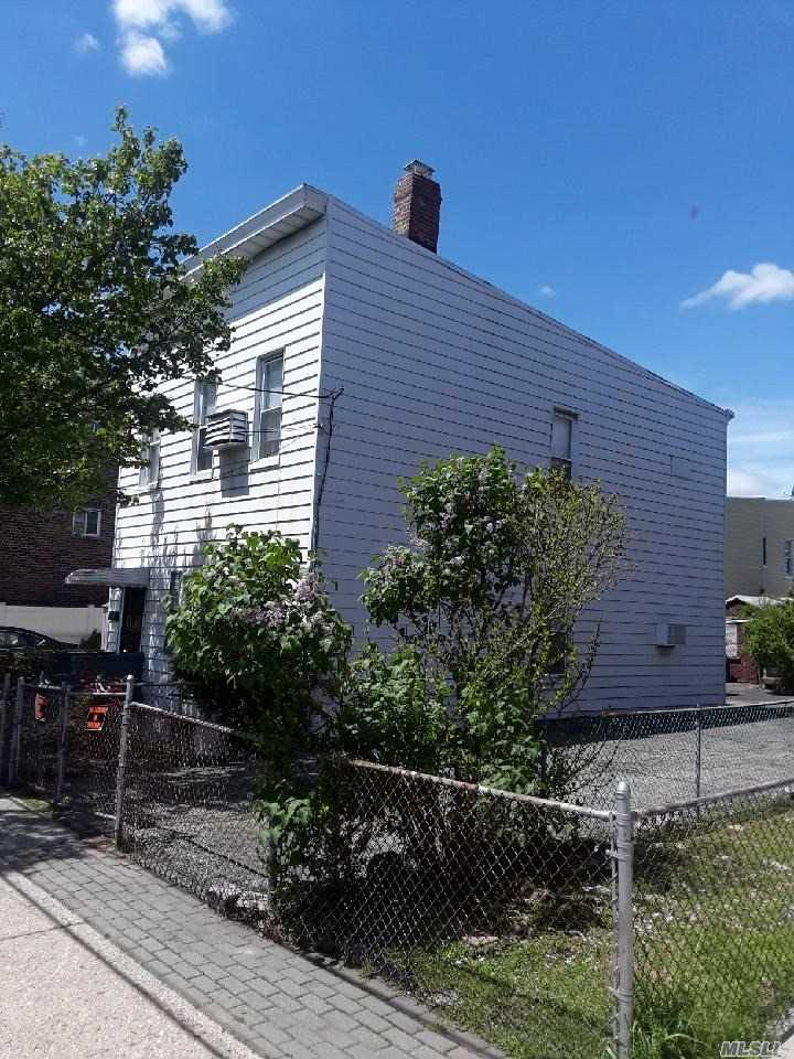 Residential For Sale in 6615 Clinton Ave, Maspeth, NY ,11378