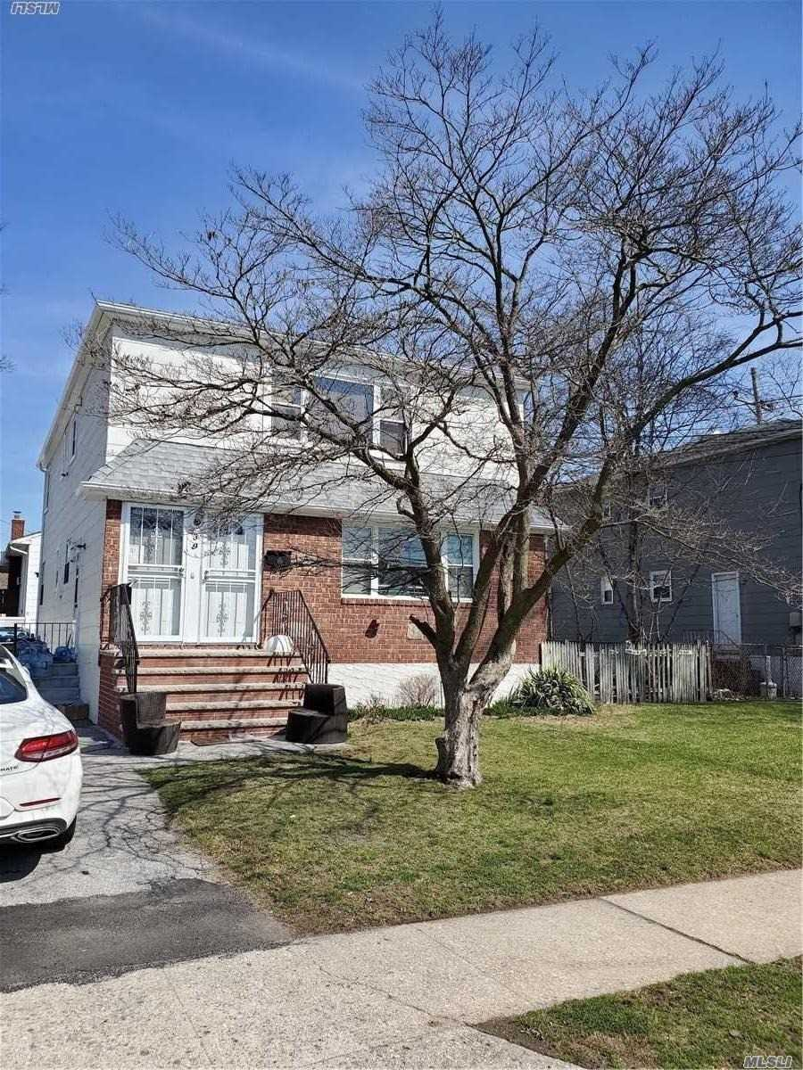 Residential For Sale in 39 Allen St., Lynbrook, NY ,11563