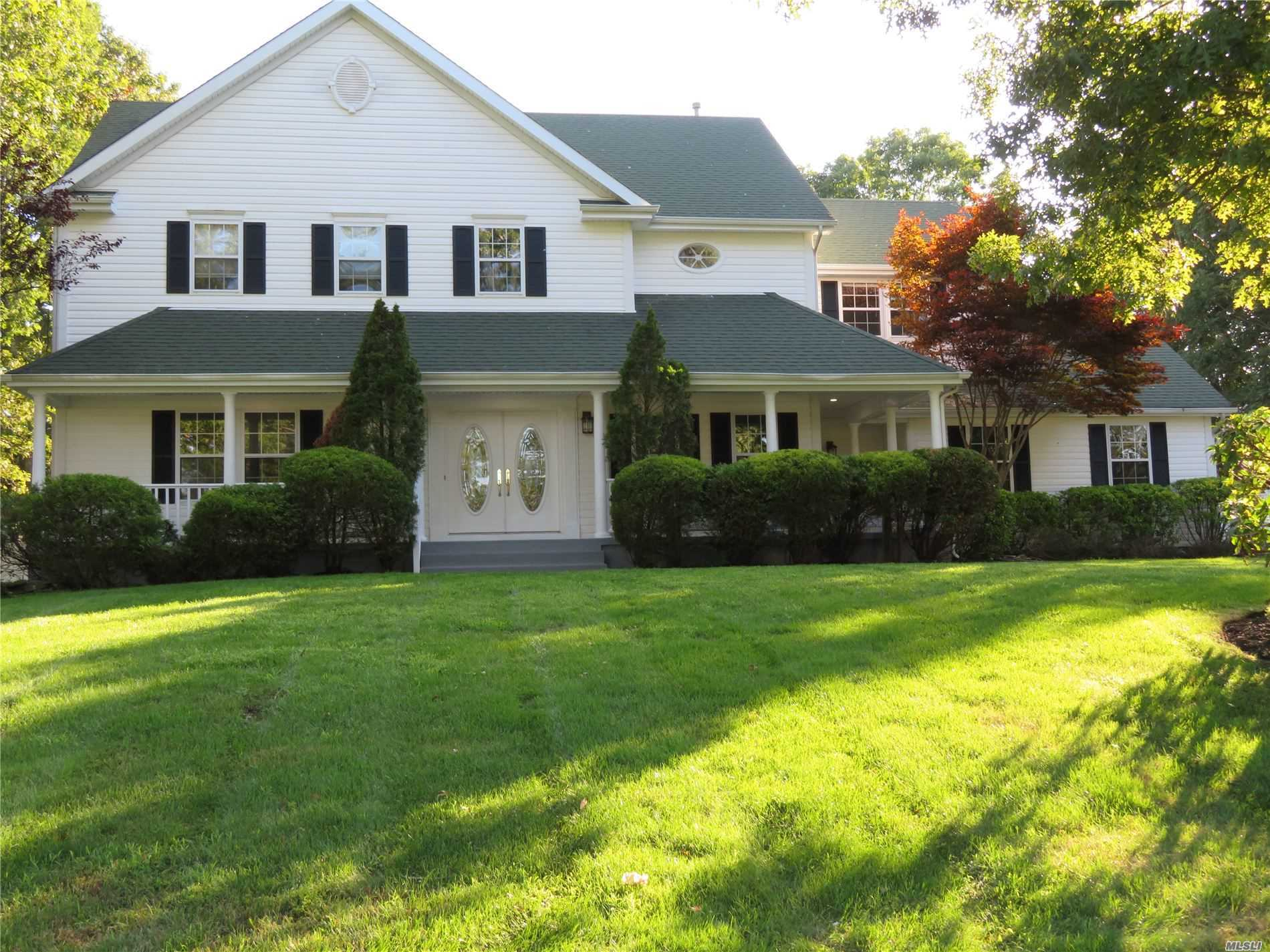 Residential For Sale in 10 Ridgefield Dr, Shoreham, NY ,11786