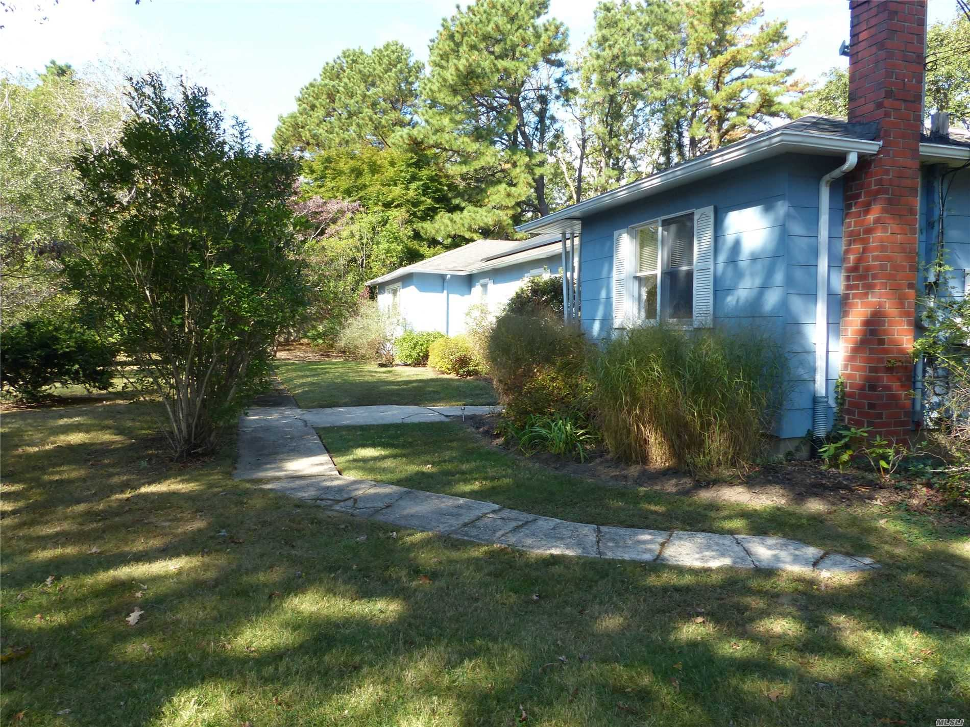 Residential For Sale in 161 Flower Hill Dr, Shirley, NY ,11967