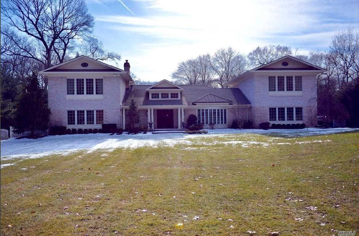 Residential For Sale in 6 Valerie Drive, Upper Brookville, NY ,11545