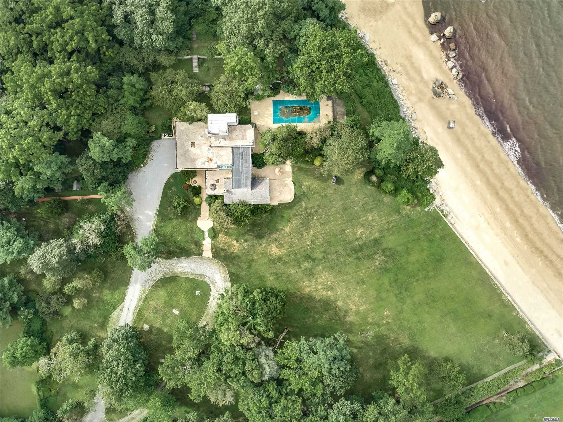 Residential For Sale in 10 Shepherds Ln, Sands Point, NY ,11050