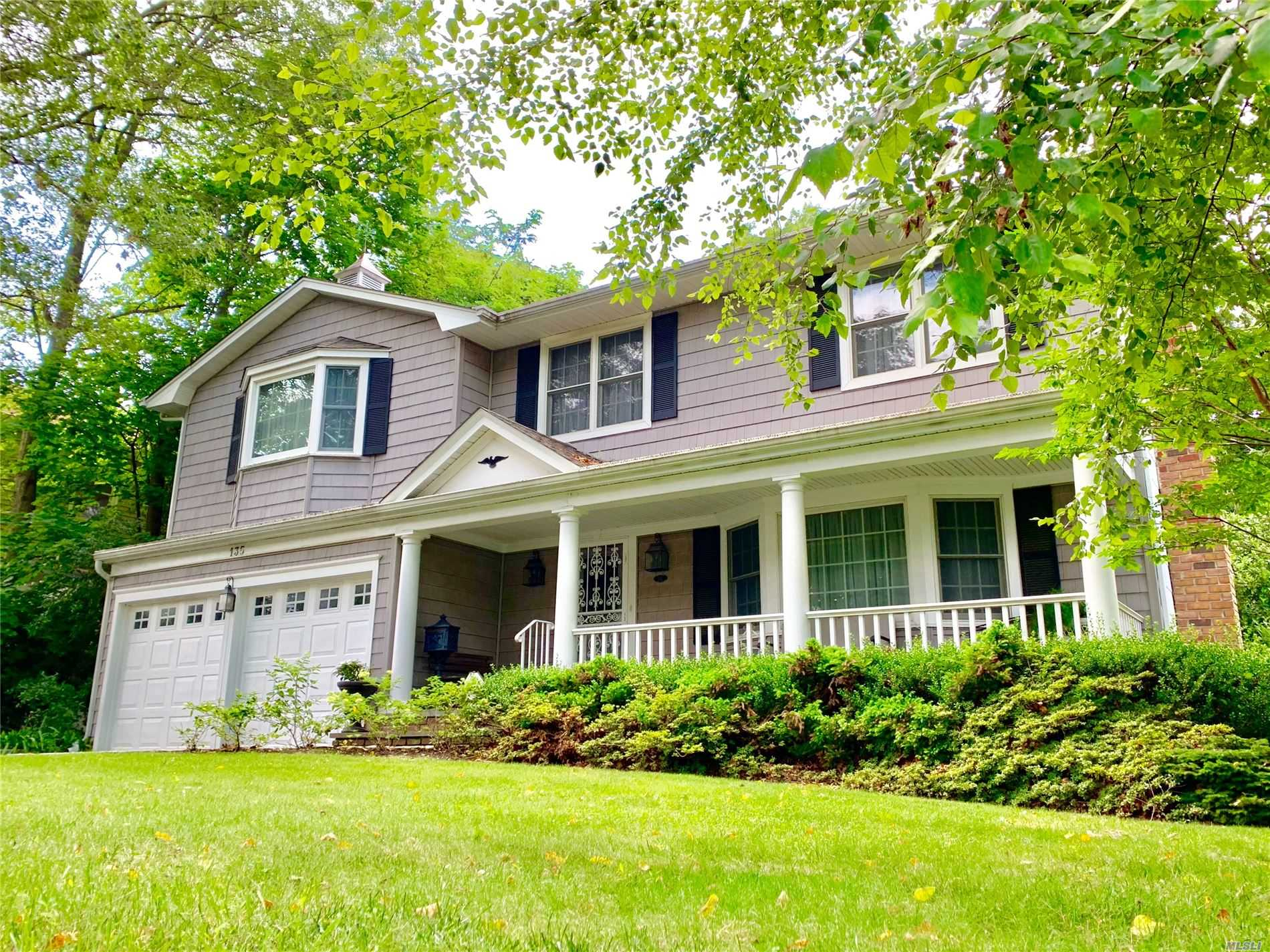 Residential For Sale in 135 Wyandanch Avenue, Babylon, NY ,11702