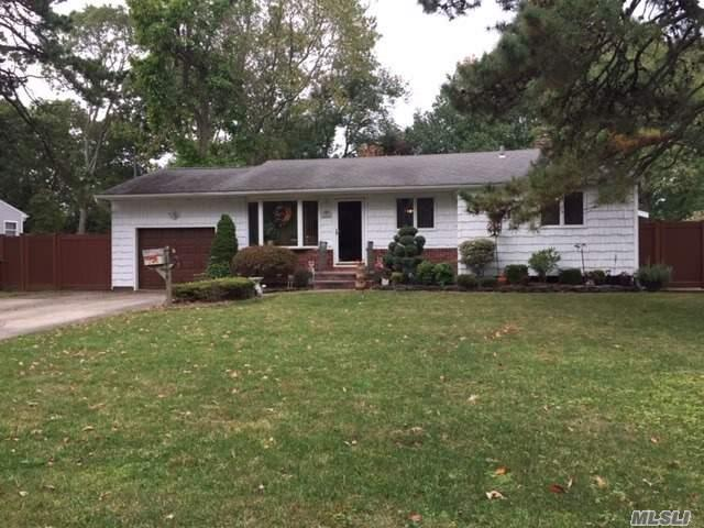 Residential For Sale in 1460 Richland, Bay Shore, NY ,11706