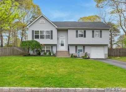 Residential For Sale in 23 Apex Dr, Coram, NY ,11727