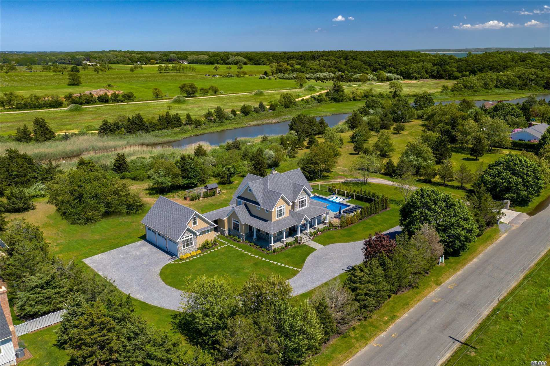 Residential For Sale in 325 Wells Rd, Peconic, NY ,11958