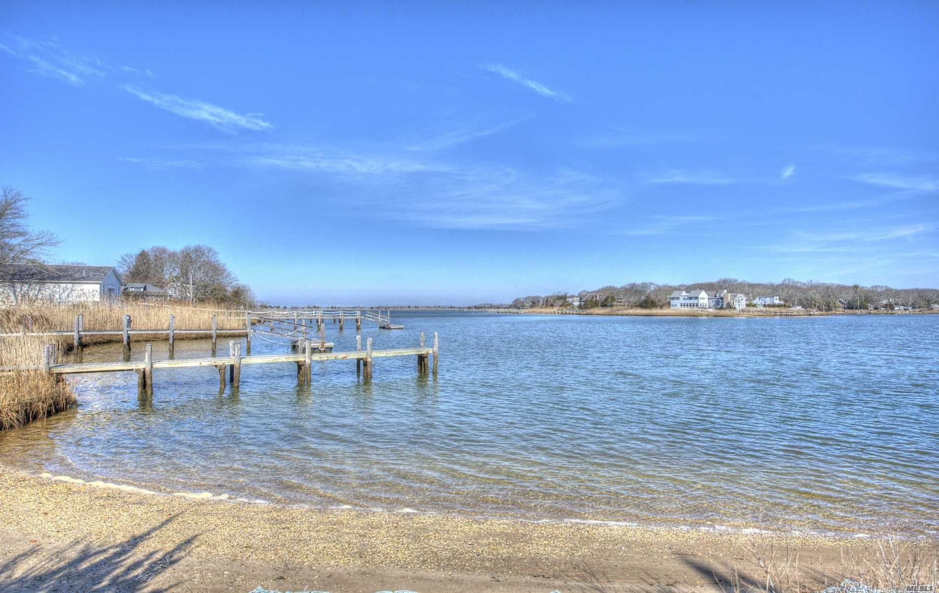 Residential For Sale in 4311 Noyac Rd, Sag Harbor, NY ,11963