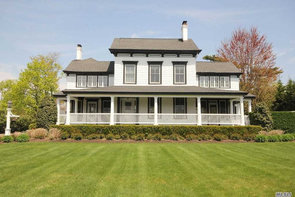 Residential For Sale in 100 Concourse E, Brightwaters, NY ,11718