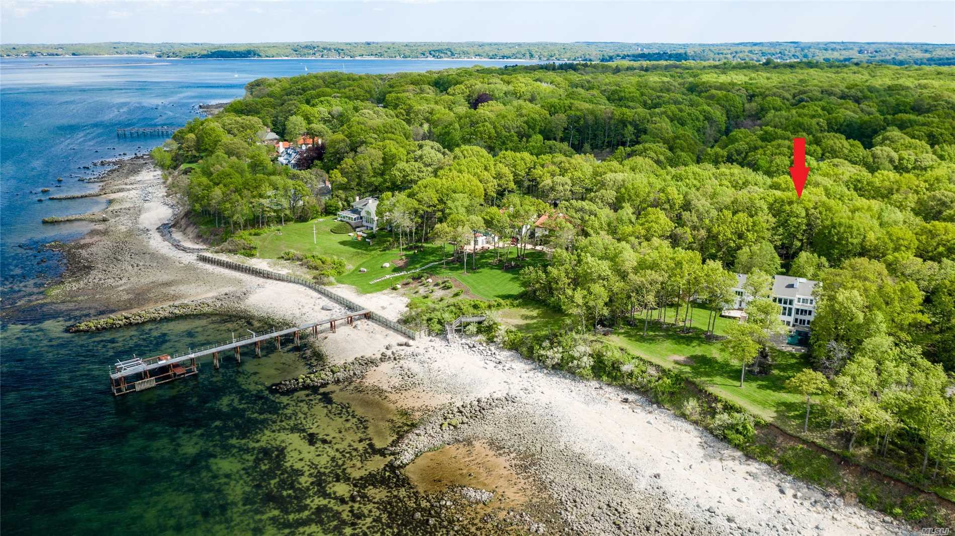 Residential For Sale in 14 Sound Bay Dr, Lloyd Neck, NY ,11743