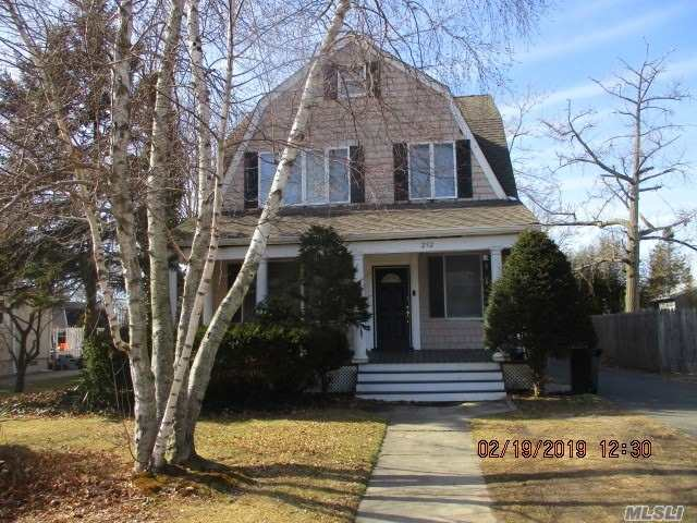 Residential For Sale in 252 Ocean N Ave, Patchogue, NY ,11772