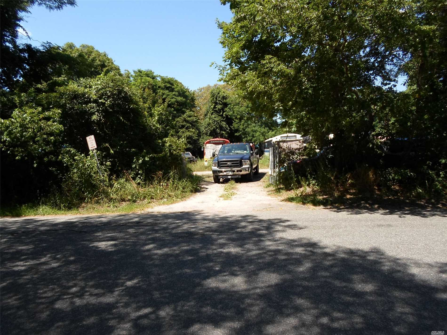 Commercial for sale in 1590 Montauk Hwy, Mastic, NY ,11950