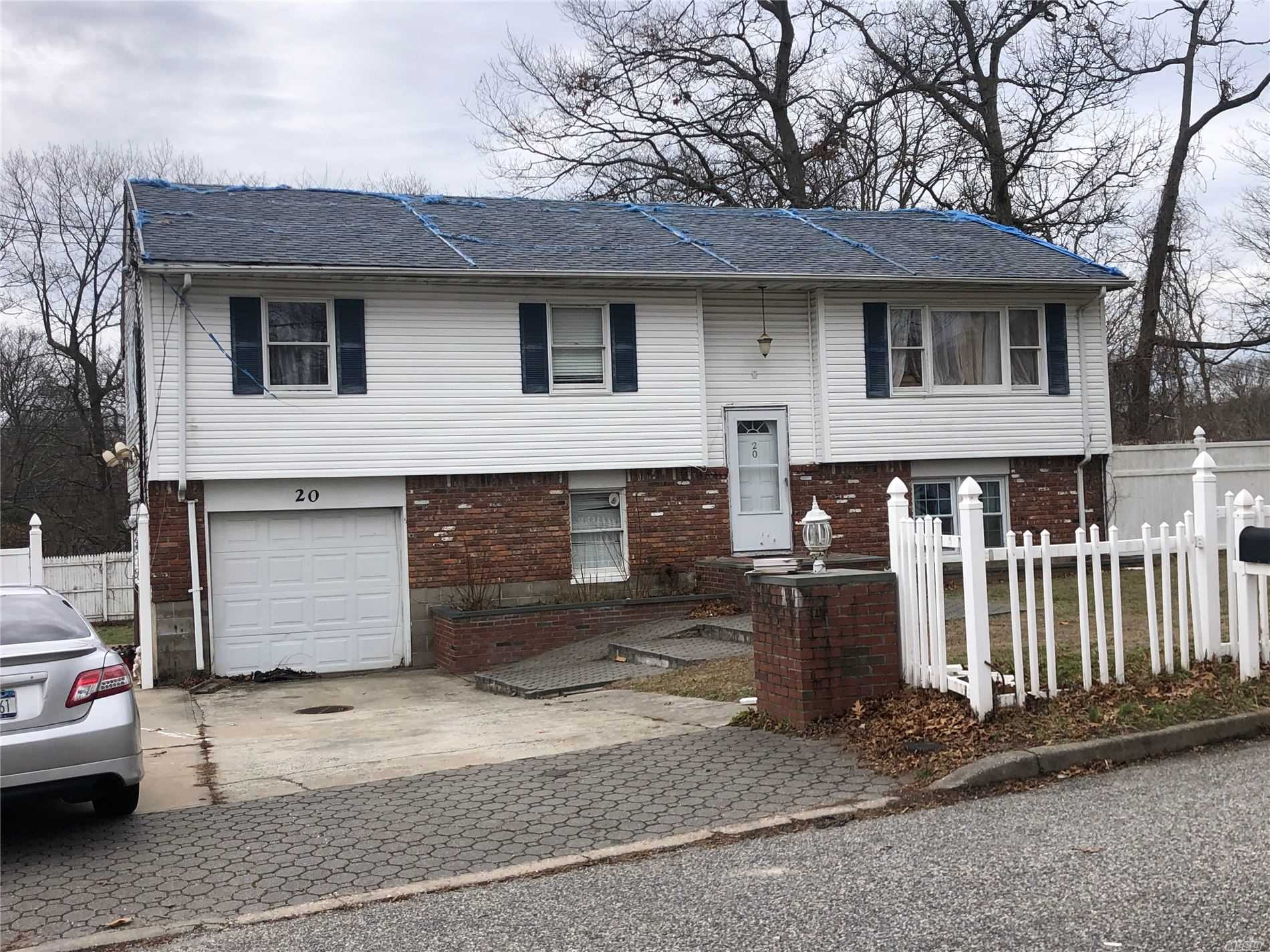 Residential For Sale in , Lake Ronkonkoma, NY ,11779
